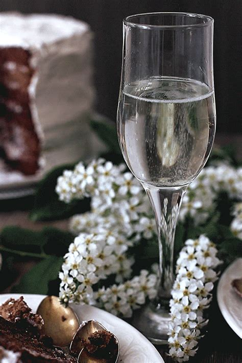 Funny Drinking Wine And Champagne Gifs Animated - Best