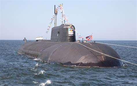 How a Russian Submarine Designed to Kill American Aircraft
