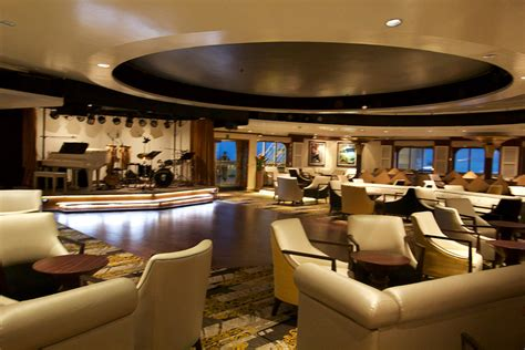 Tour of the bars and lounges on Royal Caribbean's Empress