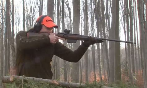 Video: German Hunter Single-handedly Takes Down Group of