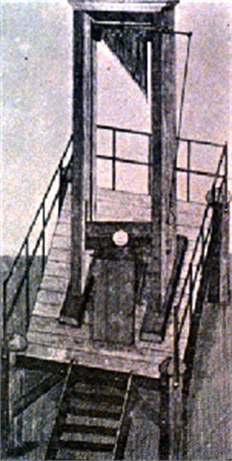 The Guillotine: a Humane Form of Execution - HistoryWiz