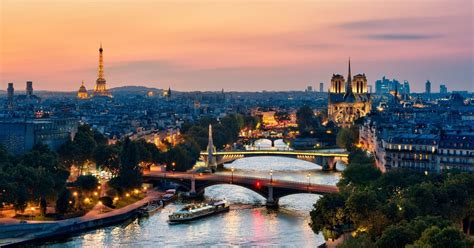 Paris: 3-course Dinner Cruise with Panorama on Seine River