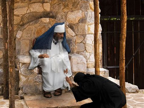 FreeBibleimages :: The parable Jesus told about a widow