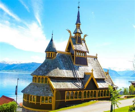 Travel Blog: Norway – A journey into The Land of Midnight