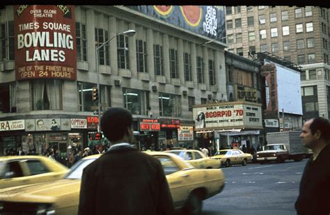 Great Snapshots of New York in 1978 by a Soviet Aeroflot