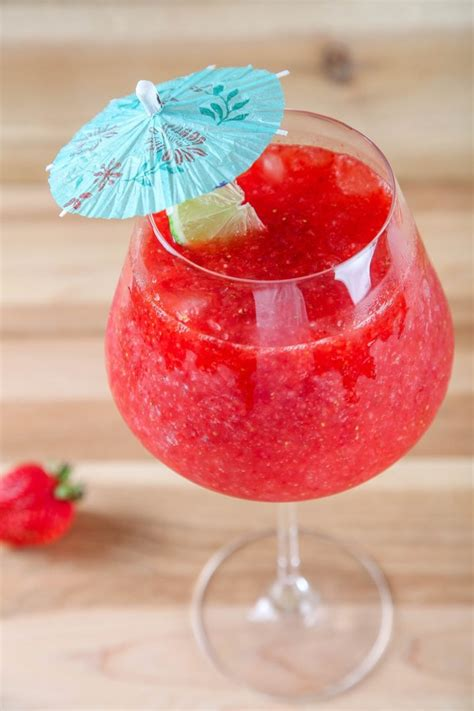 Refreshing & Easy Strawberry Daiquiri (Only 3 ingredients!)