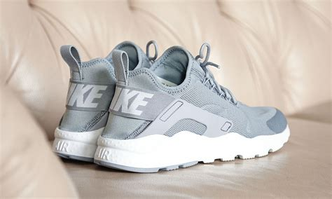 Nike's New Huarache Remake Launches This Month | Sole